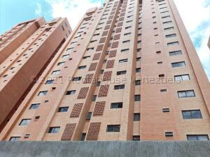 Apartamento En Alquileren Valencia, La Trigaleña, Venezuela, VE RAH: 21-18222