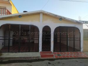 Casa En Ventaen Valencia, Lomas De Funval, Venezuela, VE RAH: 21-17678