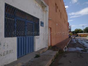 Local Comercial En Alquileren Punto Fijo, Santa Irene, Venezuela, VE RAH: 21-17744