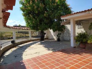 Casa En Ventaen Valencia, Parque Valencia, Venezuela, VE RAH: 21-17804