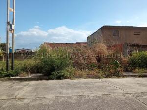 Terreno En Ventaen Municipio Naguanagua, El Cafetal, Venezuela, VE RAH: 21-18018