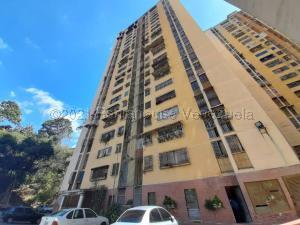 Apartamento En Ventaen Los Teques, Municipio Guaicaipuro, Venezuela, VE RAH: 21-17791