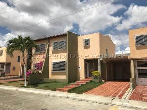 Casa En Ventaen Cabudare, Parroquia José Gregorio, Venezuela, VE RAH: 21-17797