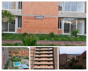 Apartamento En Ventaen La Guaira, Maiquetia, Venezuela, VE RAH: 21-17821