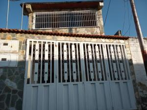 Casa En Ventaen Maracay, El Limon, Venezuela, VE RAH: 21-17851
