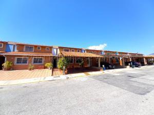 Casa En Ventaen Municipio Naguanagua, Quintas Del Norte, Venezuela, VE RAH: 21-17886