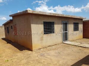 Casa En Ventaen Coro, Sector Los Perozos, Venezuela, VE RAH: 21-17891