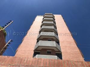 Apartamento En Ventaen Catia La Mar, Playa Grande, Venezuela, VE RAH: 21-15453