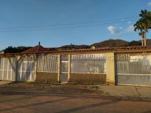 Casa En Ventaen Valencia, Lomas Del Este, Venezuela, VE RAH: 21-18190