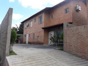 Casa En Ventaen Caracas, Los Robles, Venezuela, VE RAH: 21-18065