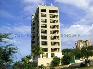 Apartamento En Ventaen Catia La Mar, Playa Grande, Venezuela, VE RAH: 21-18162