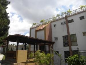 Townhouse En Ventaen San Antonio De Los Altos, La Arboleda, Venezuela, VE RAH: 21-18149