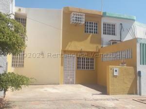 Townhouse En Alquileren Maracaibo, Circunvalacion Dos, Venezuela, VE RAH: 21-18534