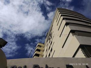Apartamento En Ventaen Valencia, Sabana Larga, Venezuela, VE RAH: 21-18315