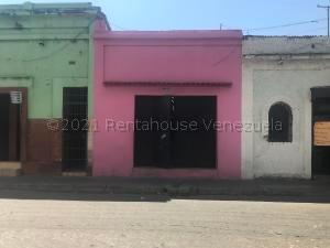Local Comercial En Ventaen Valencia, La Candelaria, Venezuela, VE RAH: 21-18195