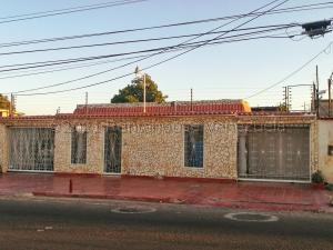 Casa En Ventaen Municipio San Francisco, La Coromoto, Venezuela, VE RAH: 21-18212