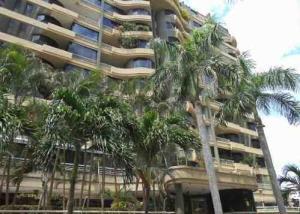 Apartamento En Ventaen Parroquia Caraballeda, Tanaguarena, Venezuela, VE RAH: 21-18213