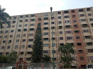 Apartamento En Ventaen Charallave, La Estrella, Venezuela, VE RAH: 21-18479
