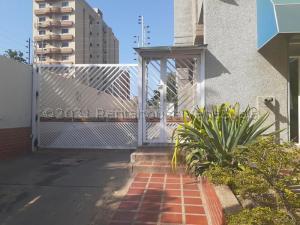 Apartamento En Ventaen Barcelona, Colinas Del Neveri, Venezuela, VE RAH: 21-18236