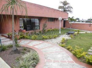Casa En Ventaen San Antonio De Los Altos, Club De Campo, Venezuela, VE RAH: 21-18262