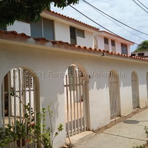 Casa En Ventaen Maracaibo, Monte Claro, Venezuela, VE RAH: 21-18320