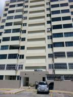 Apartamento En Ventaen Caracas, Municipio Baruta, Venezuela, VE RAH: 21-18278