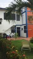 Townhouse En Ventaen Higuerote, Ciubalgue, Venezuela, VE RAH: 21-18334