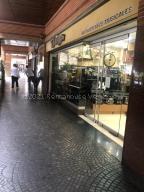Local Comercial En Alquileren Caracas, Chacao, Venezuela, VE RAH: 21-18346