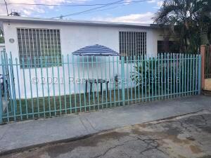 Casa En Ventaen Maracay, Las Acacias, Venezuela, VE RAH: 21-18350