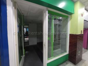 Local Comercial En Ventaen Maracay, Zona Centro, Venezuela, VE RAH: 21-18360