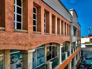 Oficina En Alquileren Punto Fijo, Santa Irene, Venezuela, VE RAH: 21-17163