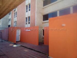 Apartamento En Ventaen Guarenas, La Vaquera, Venezuela, VE RAH: 21-18467