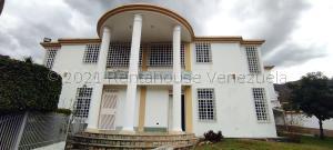 Casa En Ventaen Maracay, El Castaño (Zona Privada), Venezuela, VE RAH: 21-18469