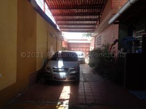 Galpon - Deposito En Alquileren Barquisimeto, Parroquia Union, Venezuela, VE RAH: 21-18458