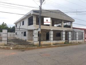 Casa En Ventaen Ciudad Ojeda, Tamare, Venezuela, VE RAH: 21-18494