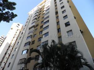 Apartamento En Ventaen Valencia, Valles De Camoruco, Venezuela, VE RAH: 21-18557