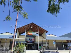 Local Comercial En Ventaen Municipio San Diego, Los Jarales, Venezuela, VE RAH: 21-18587