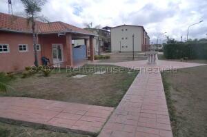 Apartamento En Ventaen Guatire, Alto Grande, Venezuela, VE RAH: 21-18789