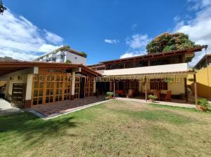 Casa En Ventaen Caracas, Country Club, Venezuela, VE RAH: 21-18743