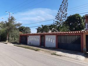 Casa En Ventaen Margarita, Guacuco, Venezuela, VE RAH: 21-18964