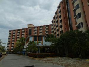 Apartamento En Ventaen Higuerote, Puerto Encantado, Venezuela, VE RAH: 21-18635
