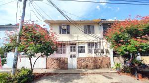 Casa En Ventaen Maracay, Las Acacias, Venezuela, VE RAH: 21-18652