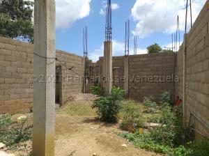 Terreno En Ventaen Coro, Sector Concordia, Venezuela, VE RAH: 21-18638