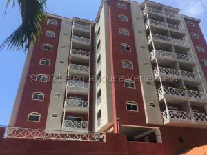 Apartamento En Ventaen Lecheria, Casco Central, Venezuela, VE RAH: 21-18675