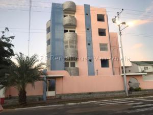 Apartamento En Alquileren Ciudad Bolivar, Sector Avenida Tachira, Venezuela, VE RAH: 21-18696