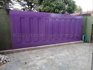 Casa En Ventaen Caracas, La Lagunita Country Club, Venezuela, VE RAH: 21-18710