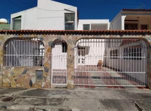 Casa En Ventaen Municipio San Diego, La Esmeralda, Venezuela, VE RAH: 21-18766