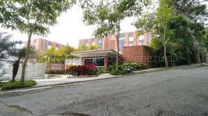 Apartamento En Ventaen Caracas, La Lagunita Country Club, Venezuela, VE RAH: 21-18778