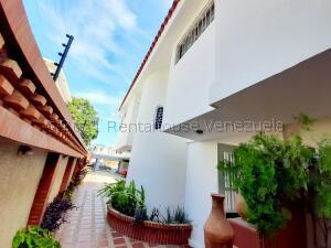 Townhouse En Ventaen Maracaibo, La Lago, Venezuela, VE RAH: 21-18781