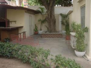 Casa En Ventaen Maracaibo, Santa Maria, Venezuela, VE RAH: 21-18795